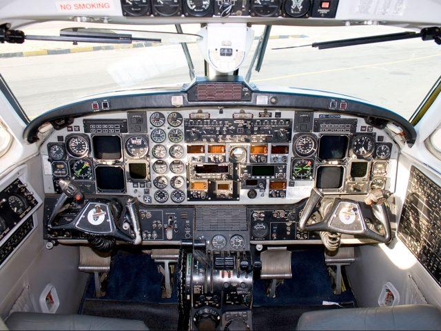 1900-cockpit