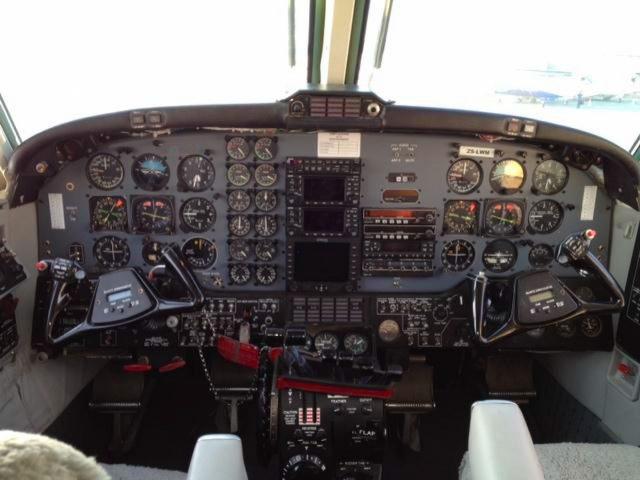b200-cockpit