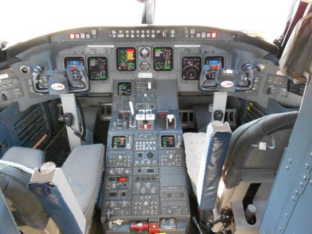 crj-cockpit
